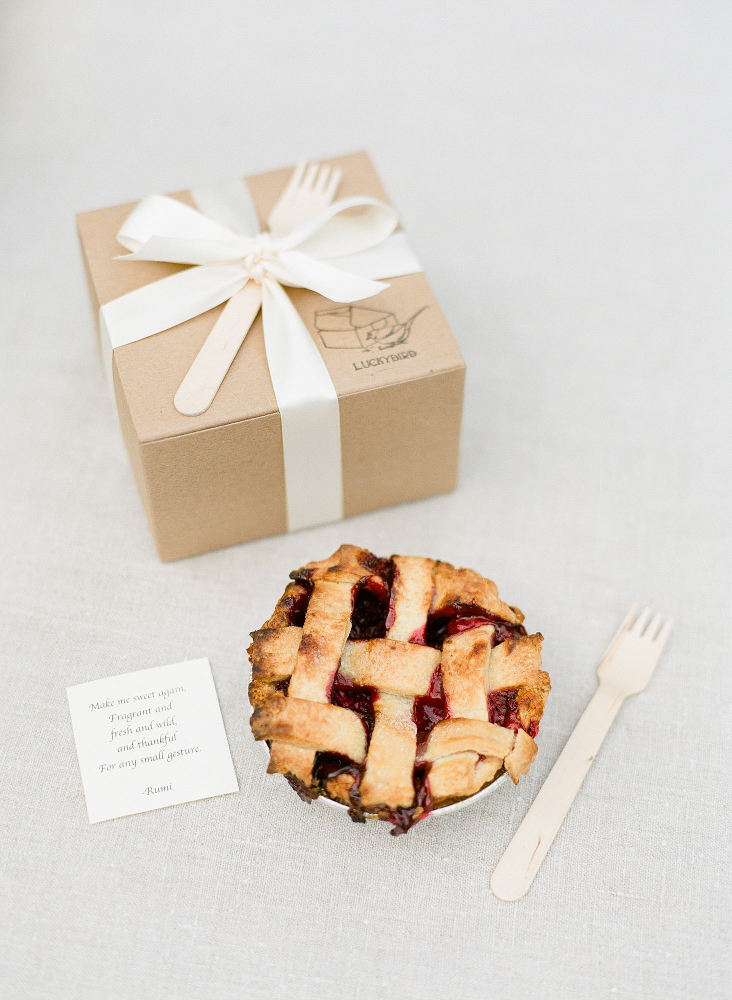 Mini Pie Favors | Wedding favors | Pinterest | Favors, Pies and ...