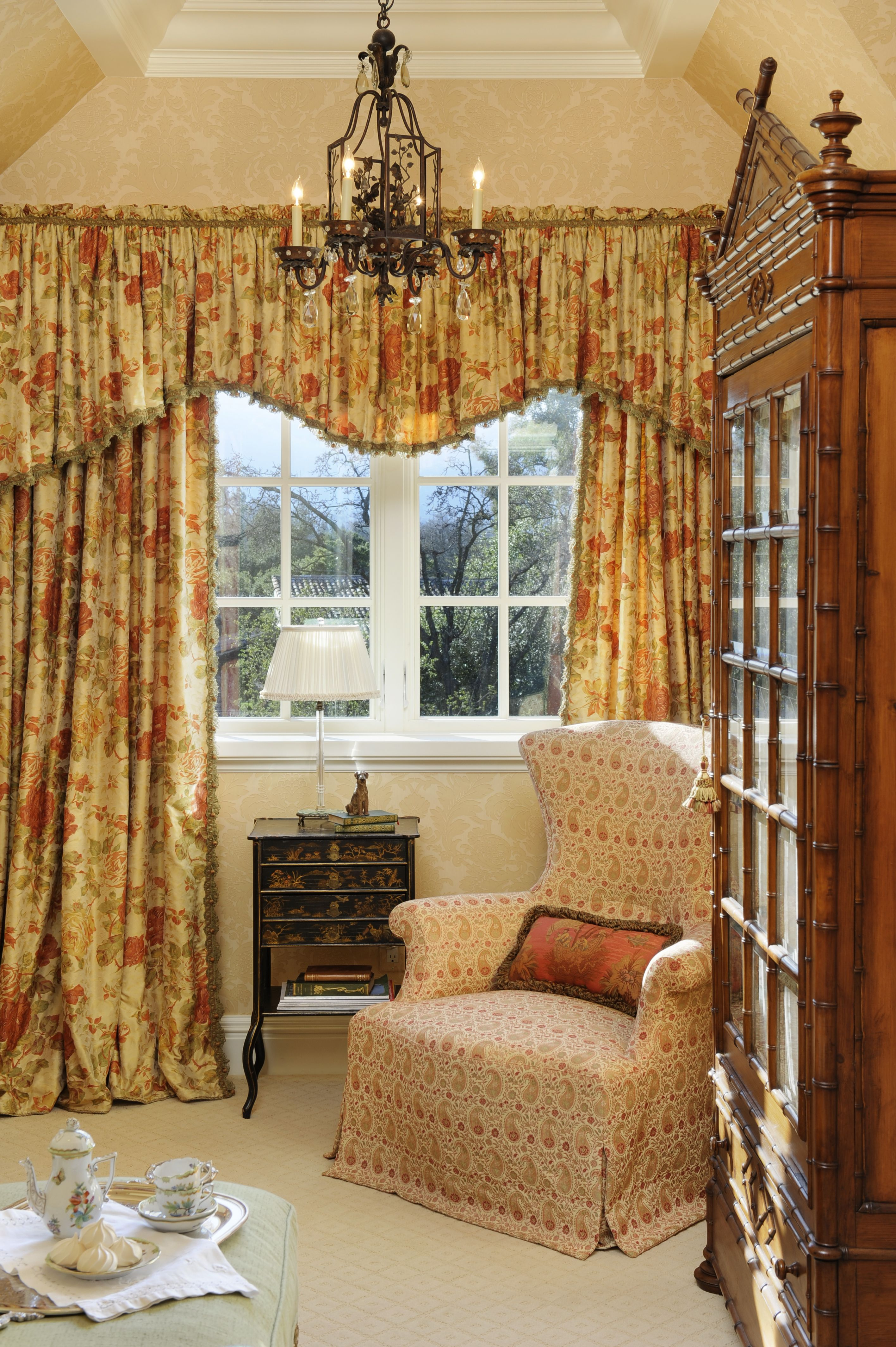 Guest Bedroom Draperies Www Lindafloyd Com English Tudor