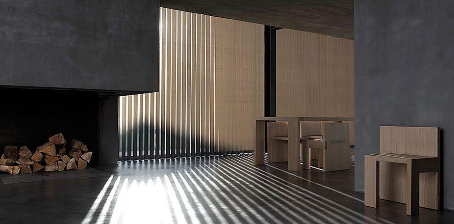 Kolleksjonen omfatter klassiske, ensfargede og mønstrede utgaver samt lamellgardiner med spesifikke og avanserte tekniske egenskaper i forhold til lys og varme. http://kvintblendex.no/produkter/lamellgardiner/