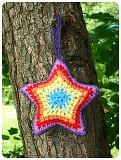 Rainbow star ~ free pattern
