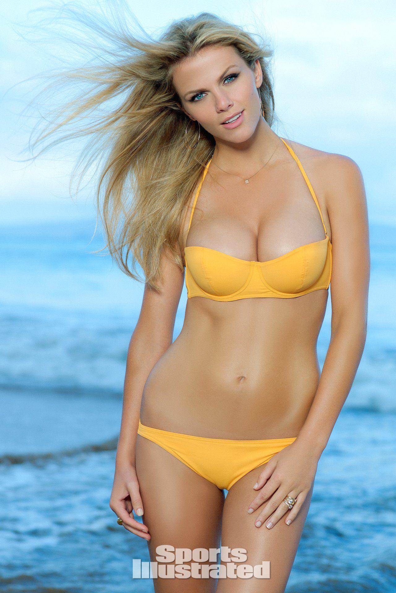 Pop Minute - Brooklyn Decker Bikini Si 2k10 Photos - Photo 13