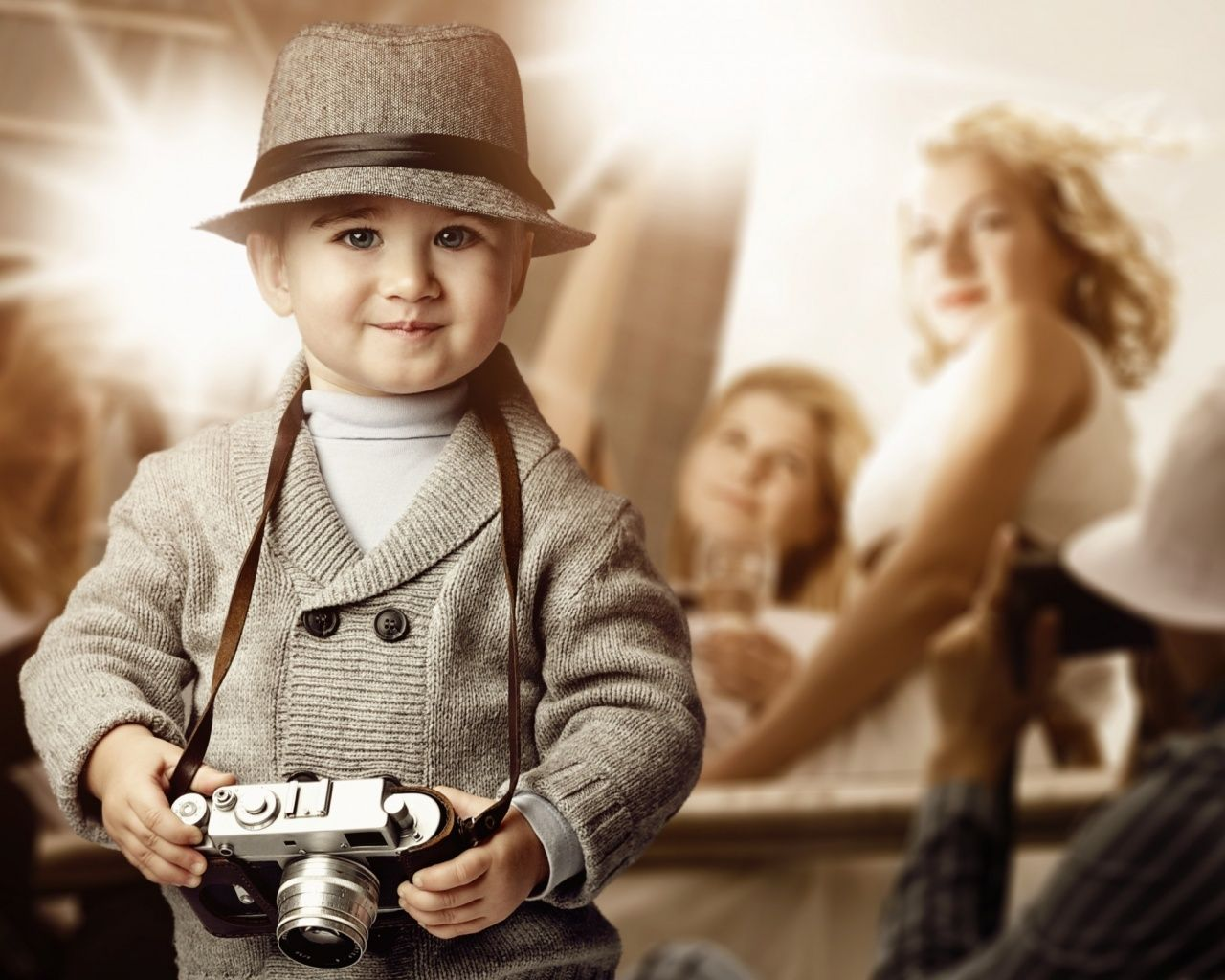 Beautiful Baby Boy with camera | Cute Babies Wallpapers ...