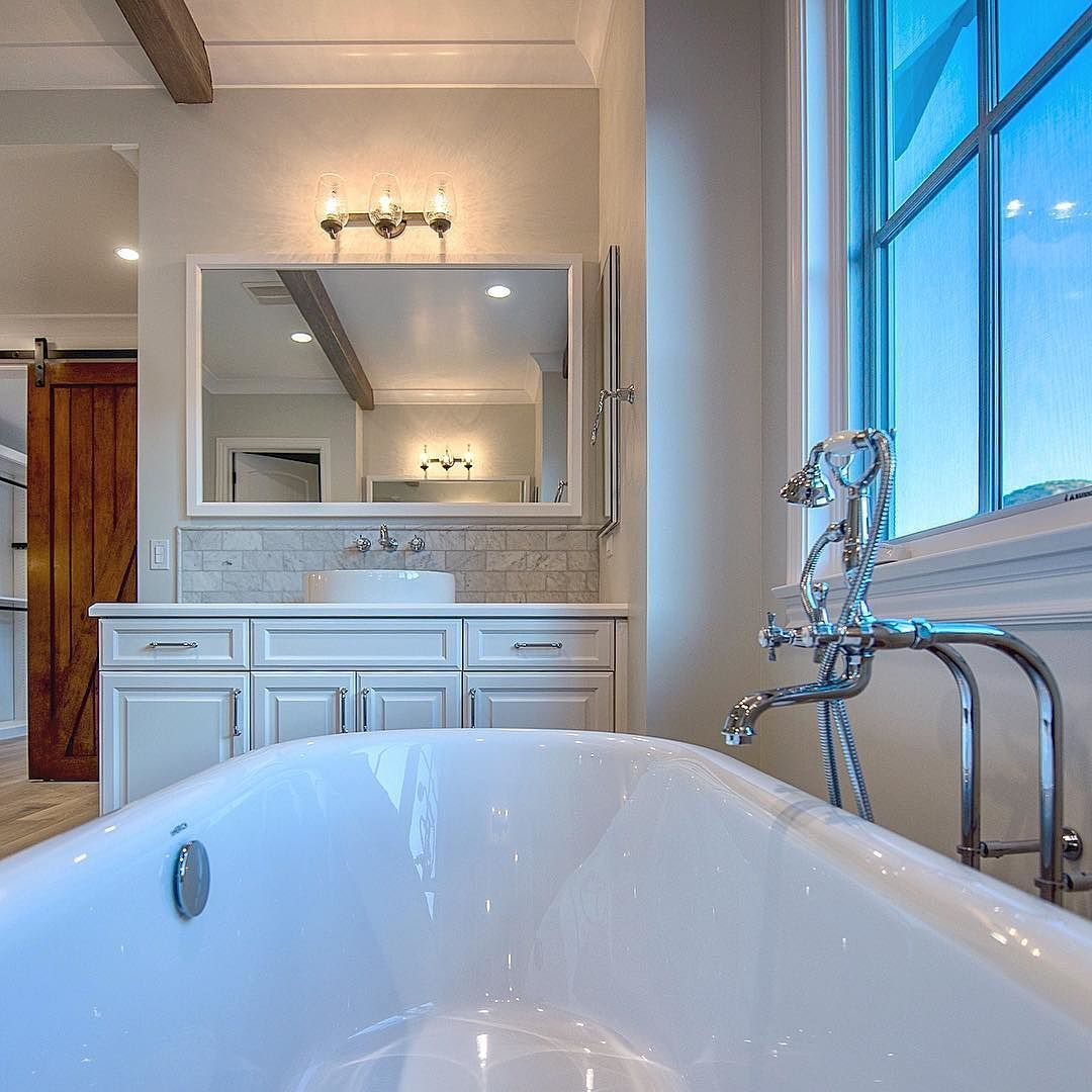The magic of a clawfoot tub - Sherwood - Luxury Real Estate in ...