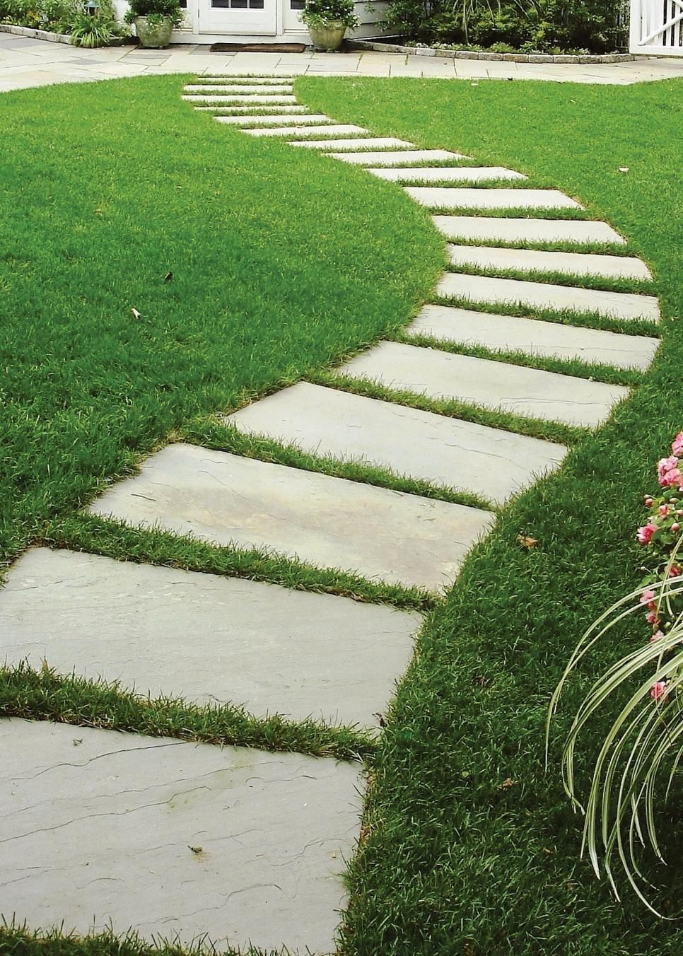 Gardens That Lower Stress Stepping Stone Pathway Stone Pathway