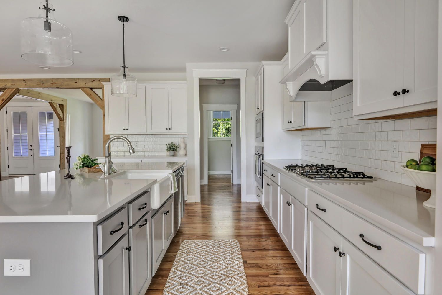 Best Open Kitchen With White Shaker Cabinets Gray Island 640 x 480