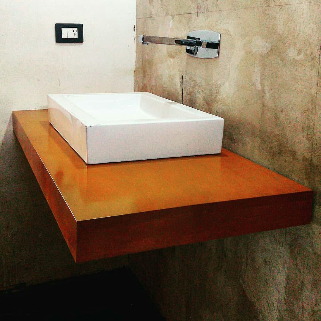 Colocacion Lavabo.Instalacion De Recubrimiento De Madera En Plancha De