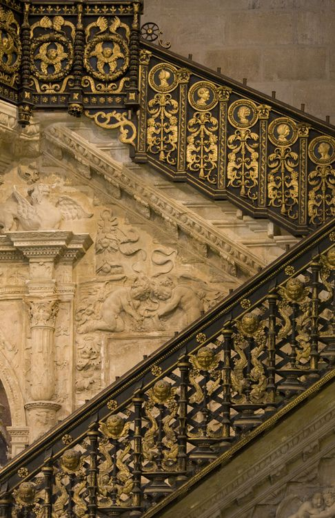 Built in 1523 by Diego de Siloe, the Golden Stairway is in the north transept of Burgos Cathedral and the gilt-iron balustrade is by Master Hilario, inspired by Italian Renaissance models.