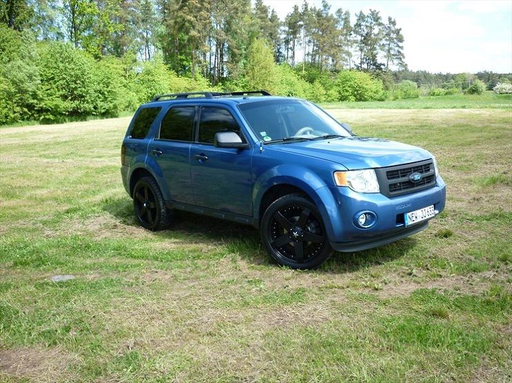 Modif Terbaru Ford Escape Biru