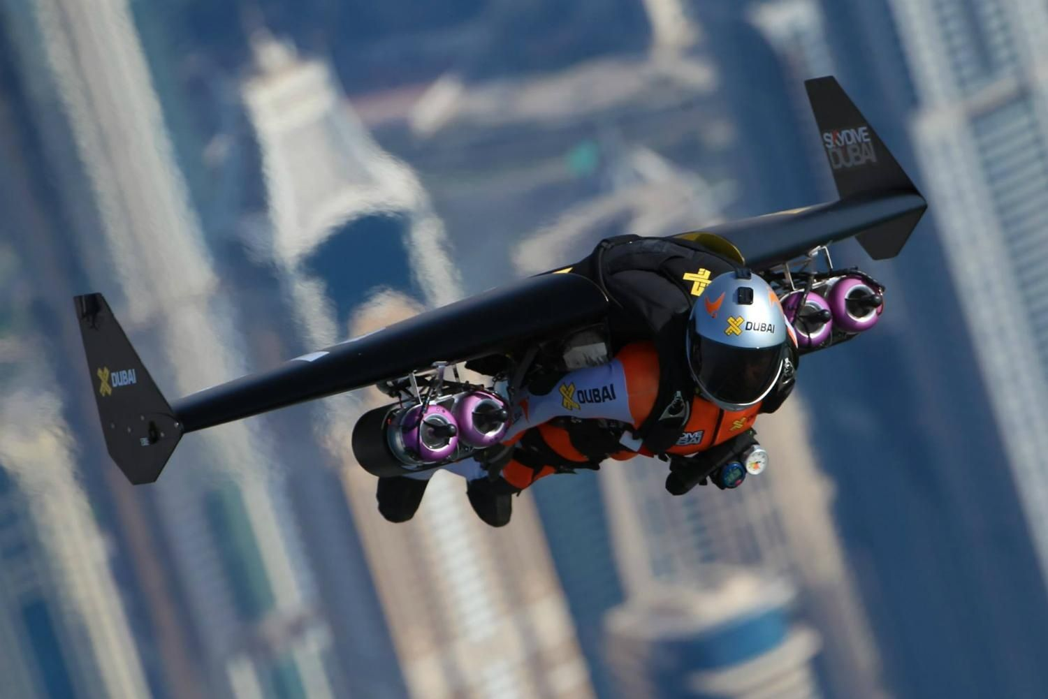 Flying With Incredible RealLife Jetpacks In Dubai Real Life And - Crazy video of two guys flying jetpacks over dubai