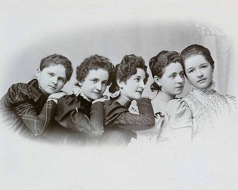 +~+~ Antique Photograph ~+~+ Five beautiful young women in a row.