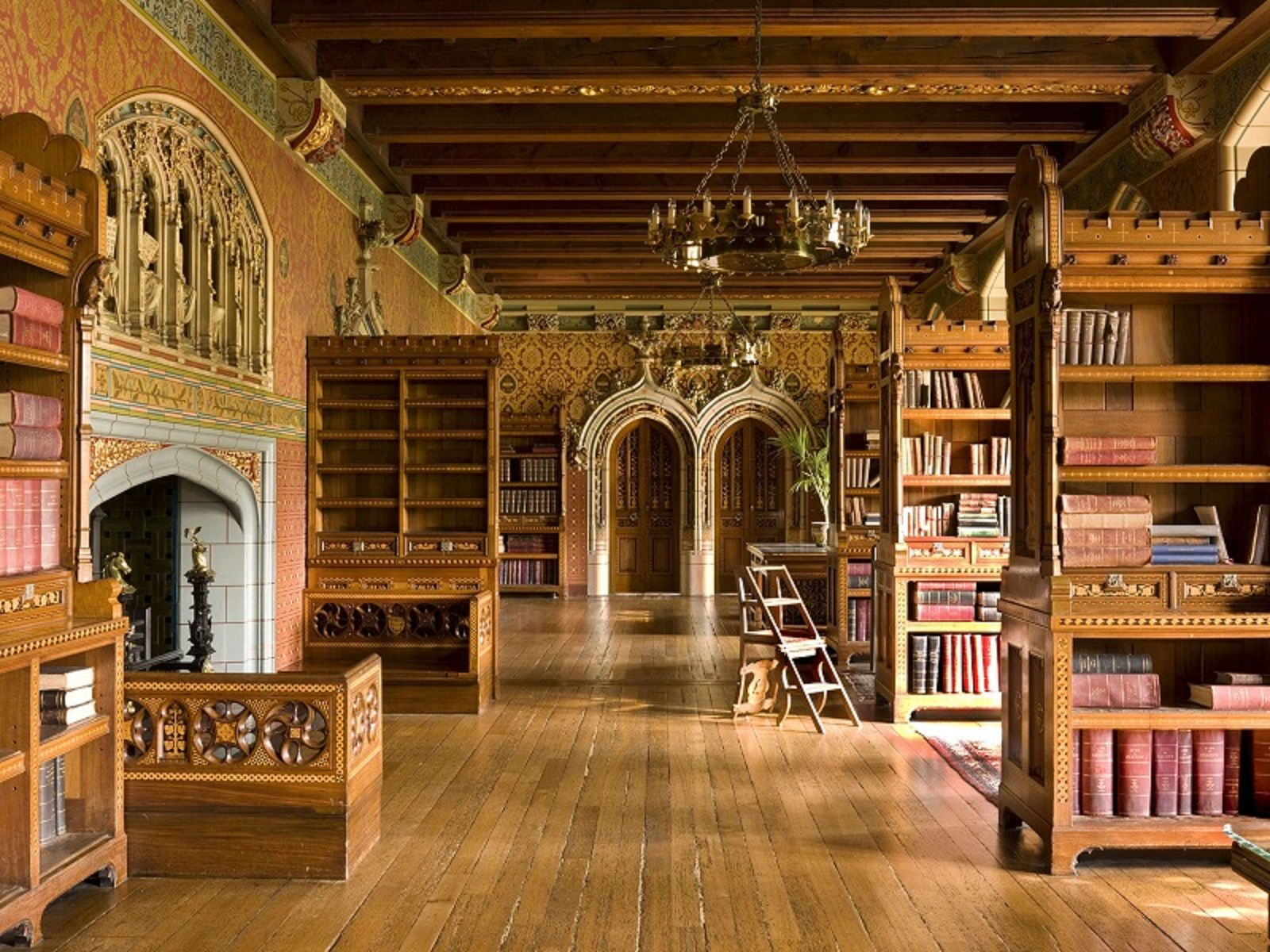 Take A 360 Degree Wander Through Cardiff Castle Library Wales