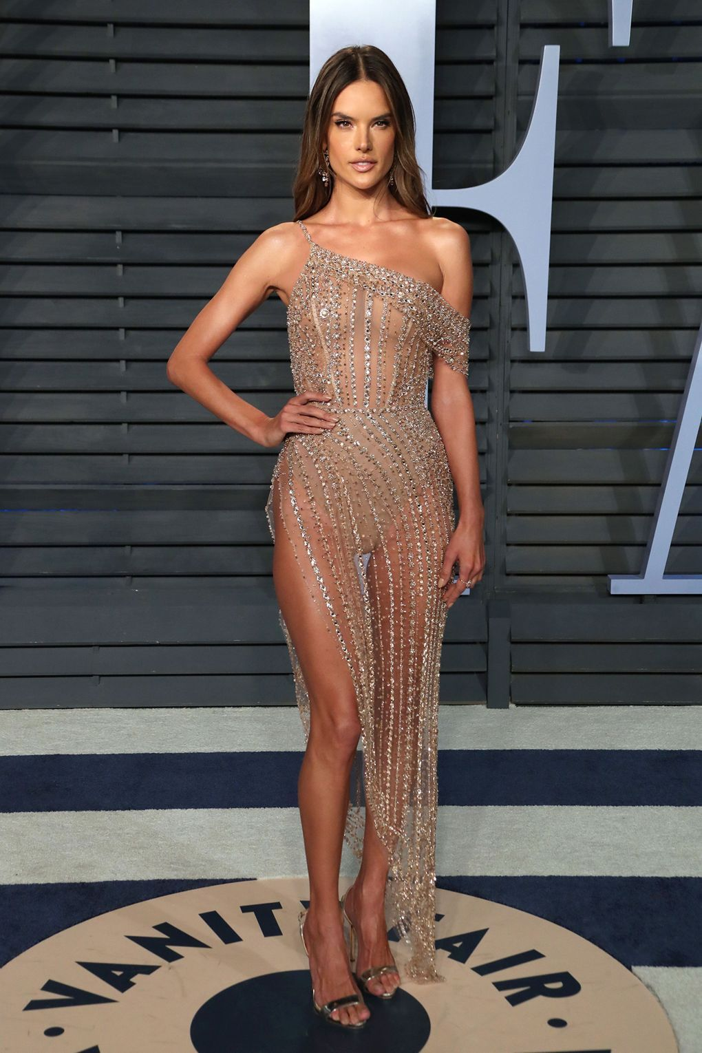 e3df8f412a Alessandra Ambrosio attends the 2018 Vanity Fair Oscar Party in Bervely  Hills
