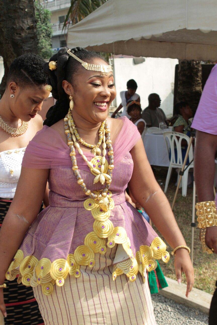 Ivoirian wedding | Tenue mariage traditionnel africain, Robe africaine mariage et Tenue mariage ...
