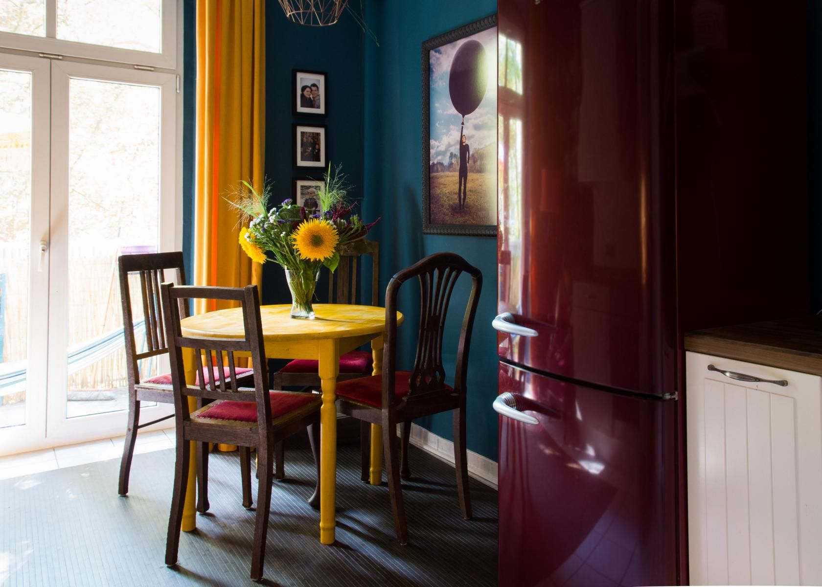 k che petrol blau stehlen sie petrol farbe oder grauen blauen kacheln mit dekor. Black Bedroom Furniture Sets. Home Design Ideas