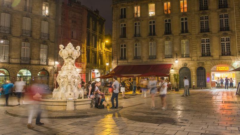 Cinq bonnes raisons de passer un week-end à Bordeaux (La place du Parlement, dans le quartier Saint Pierre.)