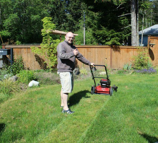 Fixing A Lawn Mower That Won T Start Lawn Mower Lawn Mower Repair Lawn Mower Maintenance