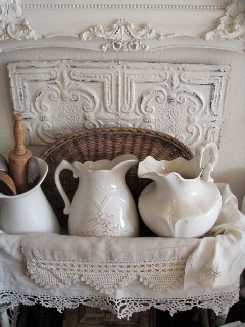 Photo of Linens & Pitchers