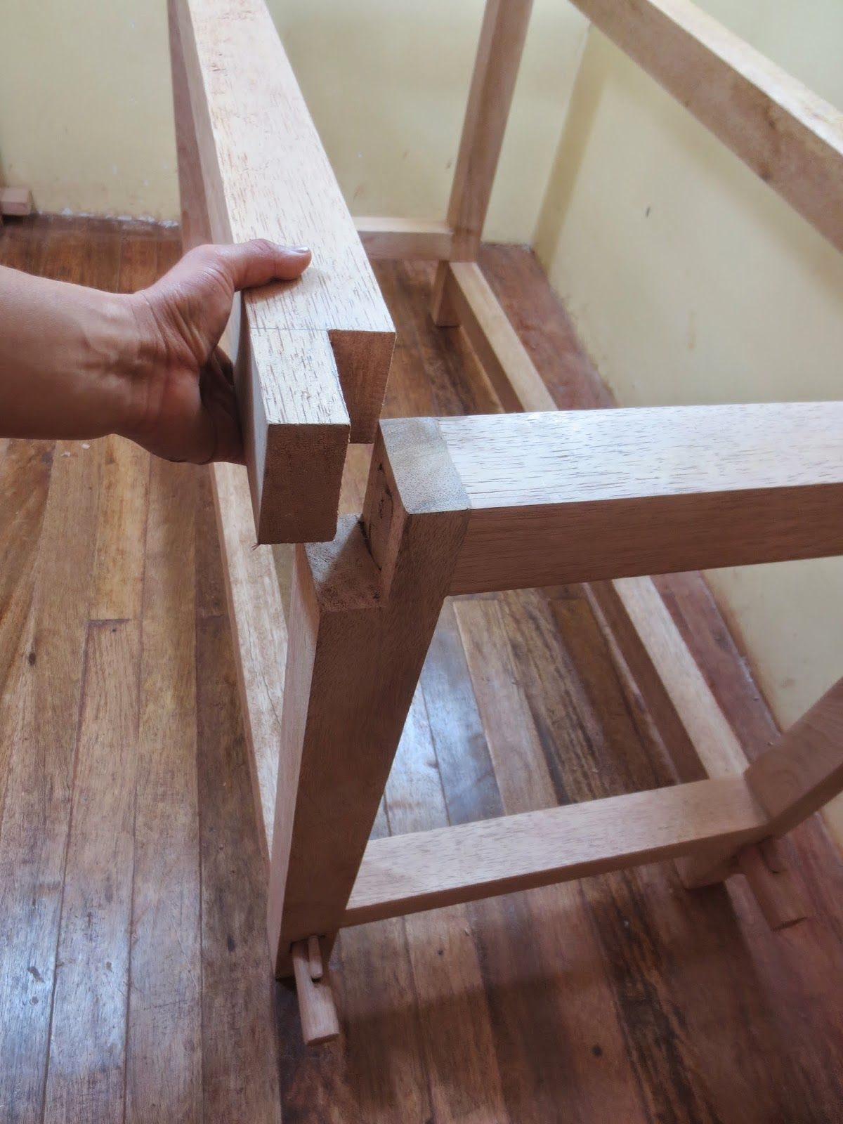 Decorations On Wood Crafts: How To Make A Table Carpenter desarmable ...