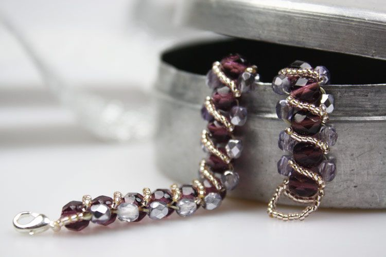 Jetzt wundersch nes armband selber machen mit glasschliffperlen kannst du ein edles armband - Perlenarmband basteln ...