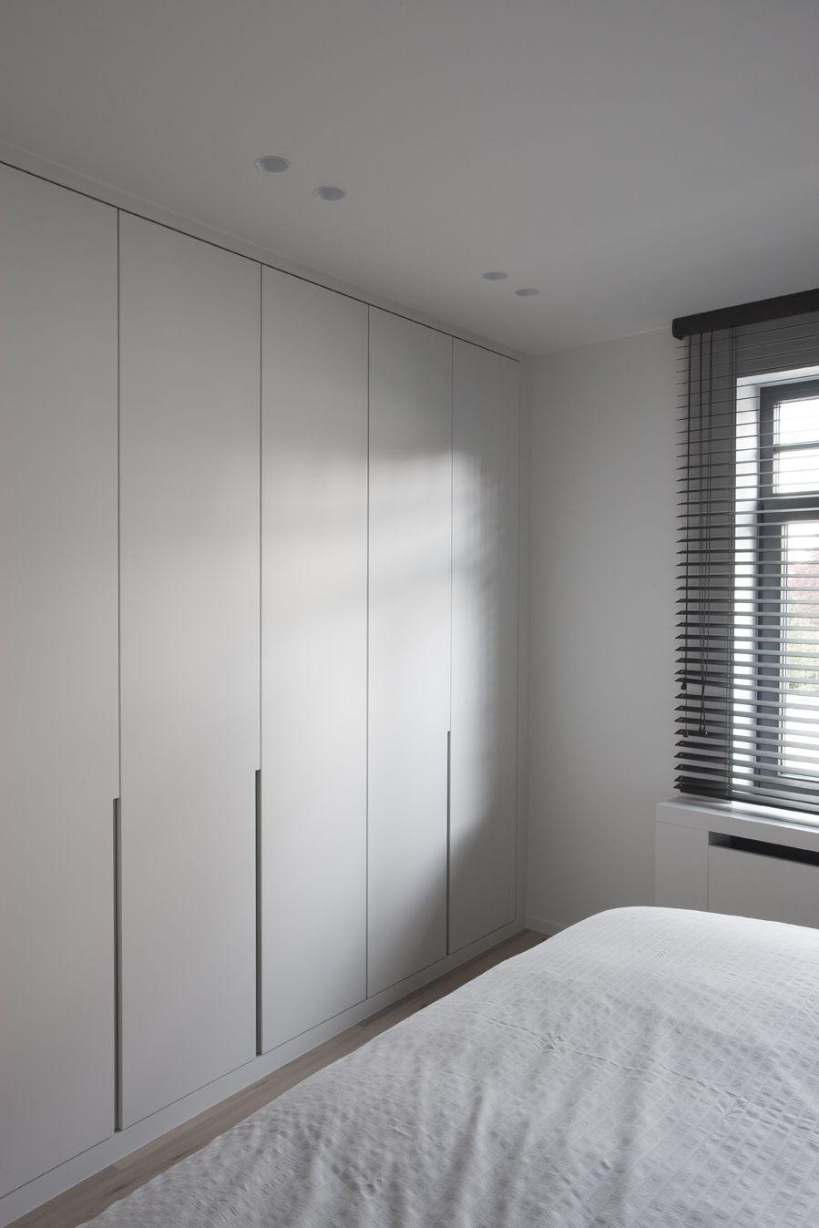 die besten 25 einbauschrank garderobe modern ideen auf pinterest einbauschrank ohne t ren. Black Bedroom Furniture Sets. Home Design Ideas