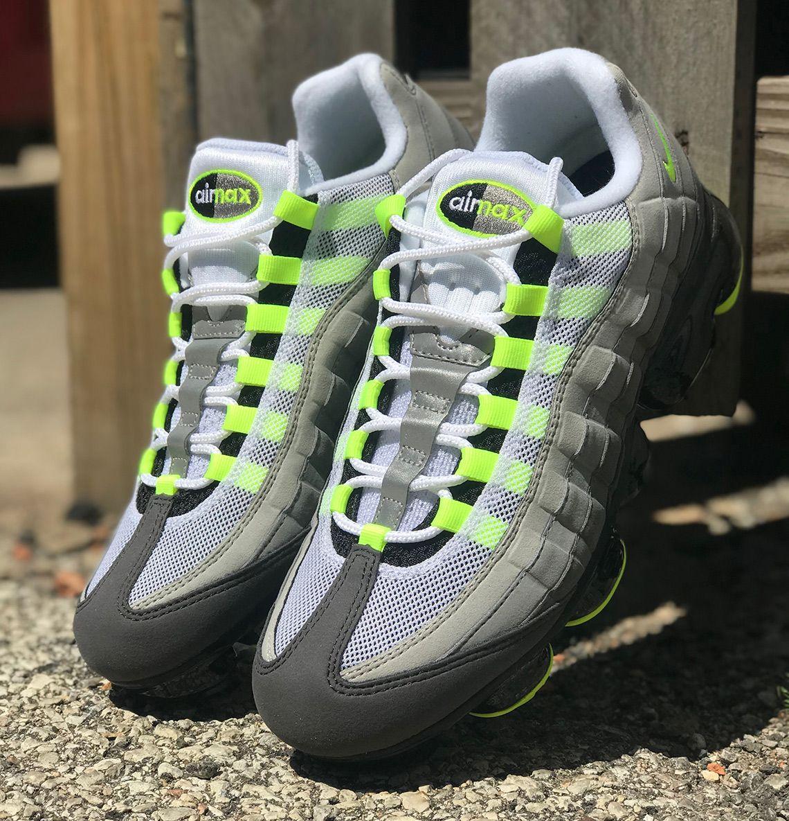 0c2f0be2ea4 Nike Vapormax 95 Neon AJ7292-001 Release Date
