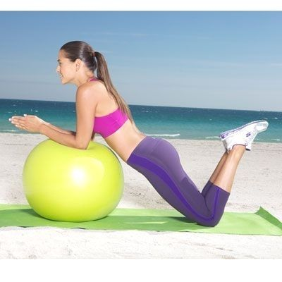 Reach Out and Pull Do this strength move anywhere and start loving your shape