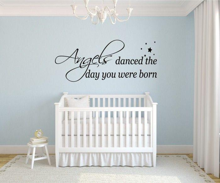 kinderzimmer deko ideen babyzimmer hellblaue wände wandsticker New