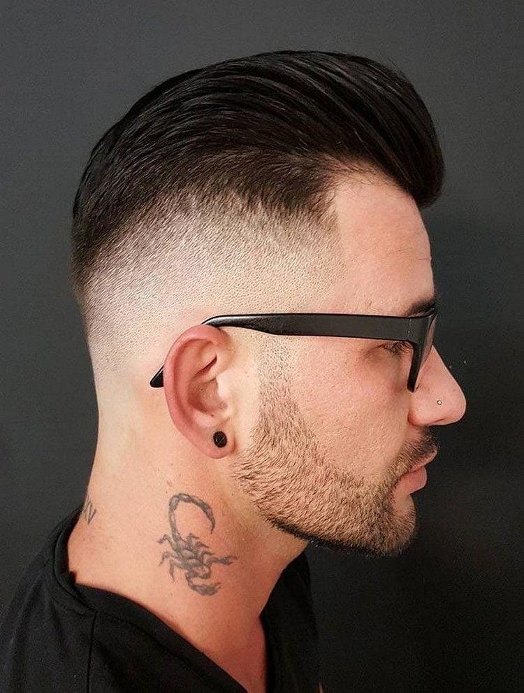 pompadour frisuren männer undercut mit fade und brille