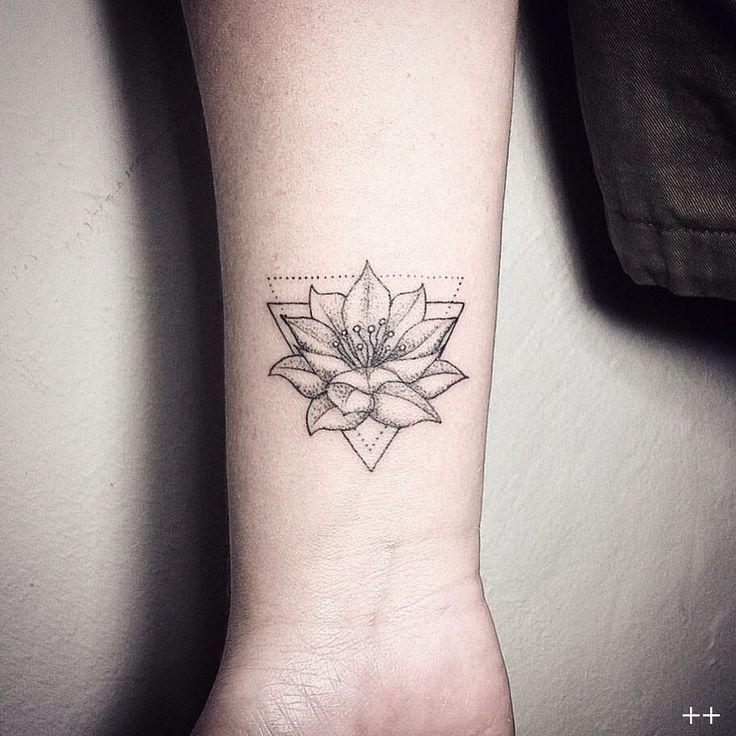 39 Pretty Watercolor Tattoo Ideas That Ll Convert Even The: Pin Von Mara Janina Auf Tattoos T Uhu Tattoo Ideen Und