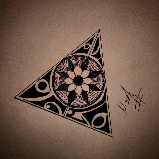 23 Awesome Triangle Mandala Drawing Images The Tattoos Pinterest