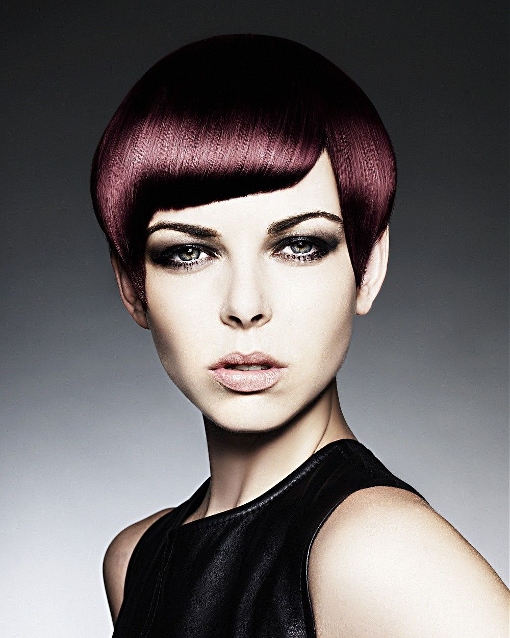 Large image of short brown straight hairstyles provided by hooker