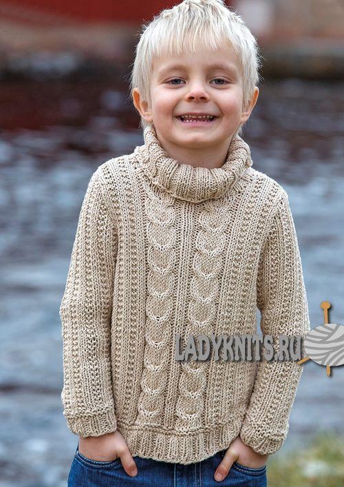 вязаный простой спицами свитер с косами для мальчика от 2 до 14 лет