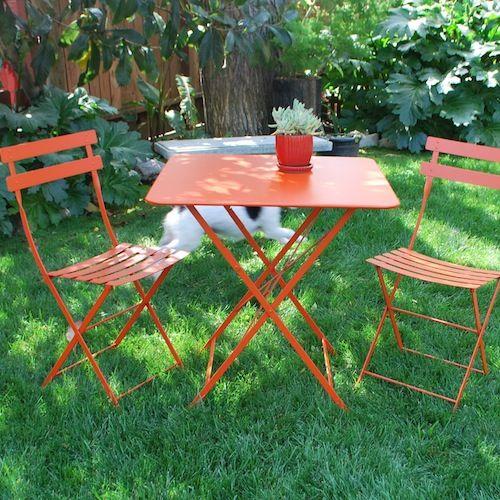 Bistro Table | Garden/Outdoors/Landscaping | Pinterest | Gardens