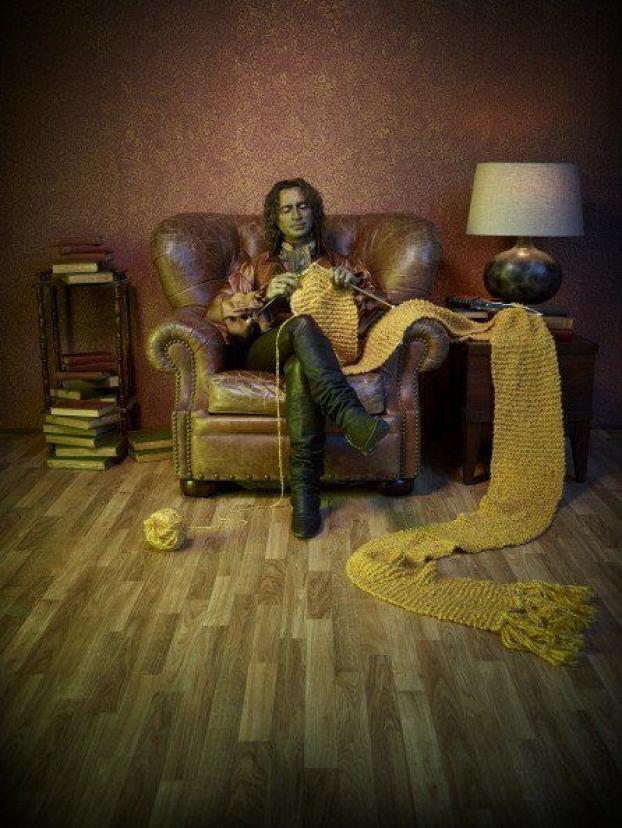 Love the knitting Rumplestiltskin!  (Once Upon A Time) #knittingandcrochet #knitting #and #crochet #now #tv #show