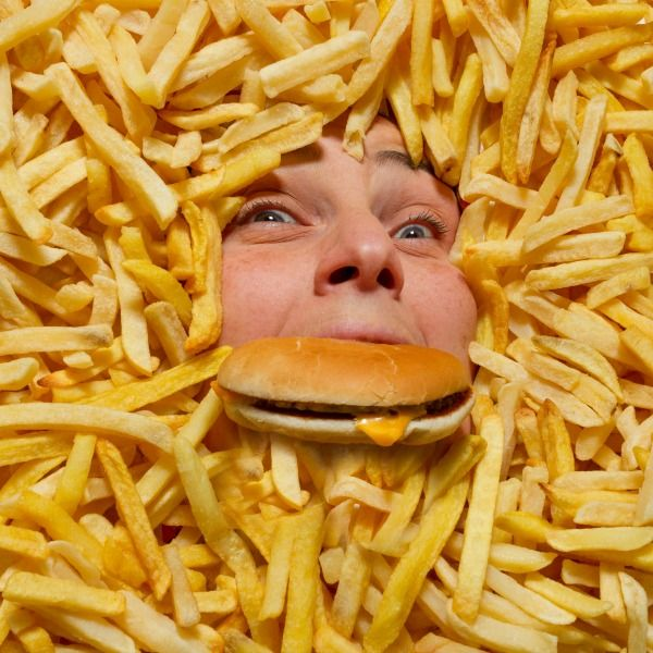 Saturated fat, serum cholesterol and coronary heart disease