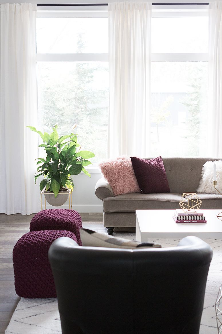 Blogger living room reveal blush pink burgundy and gold decor for fall