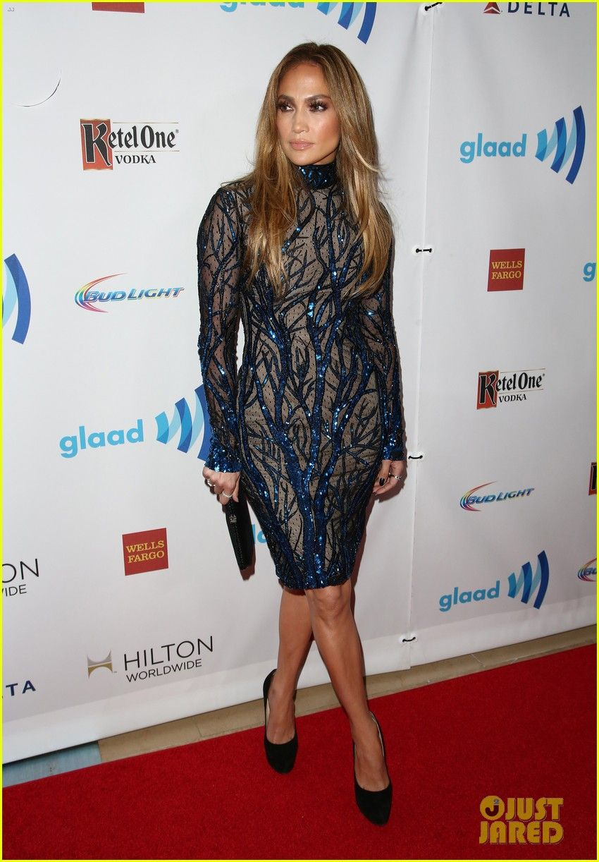Jennifer Lopez Receives Glaad S Vanguard Award With