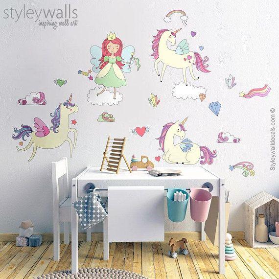 caf44405687 Unicorns Wall Decal