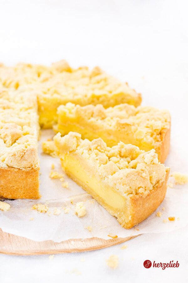 Streuselkuchen mit Puddingfüllung Rezept aus der Springform wie von Oma  – Backen