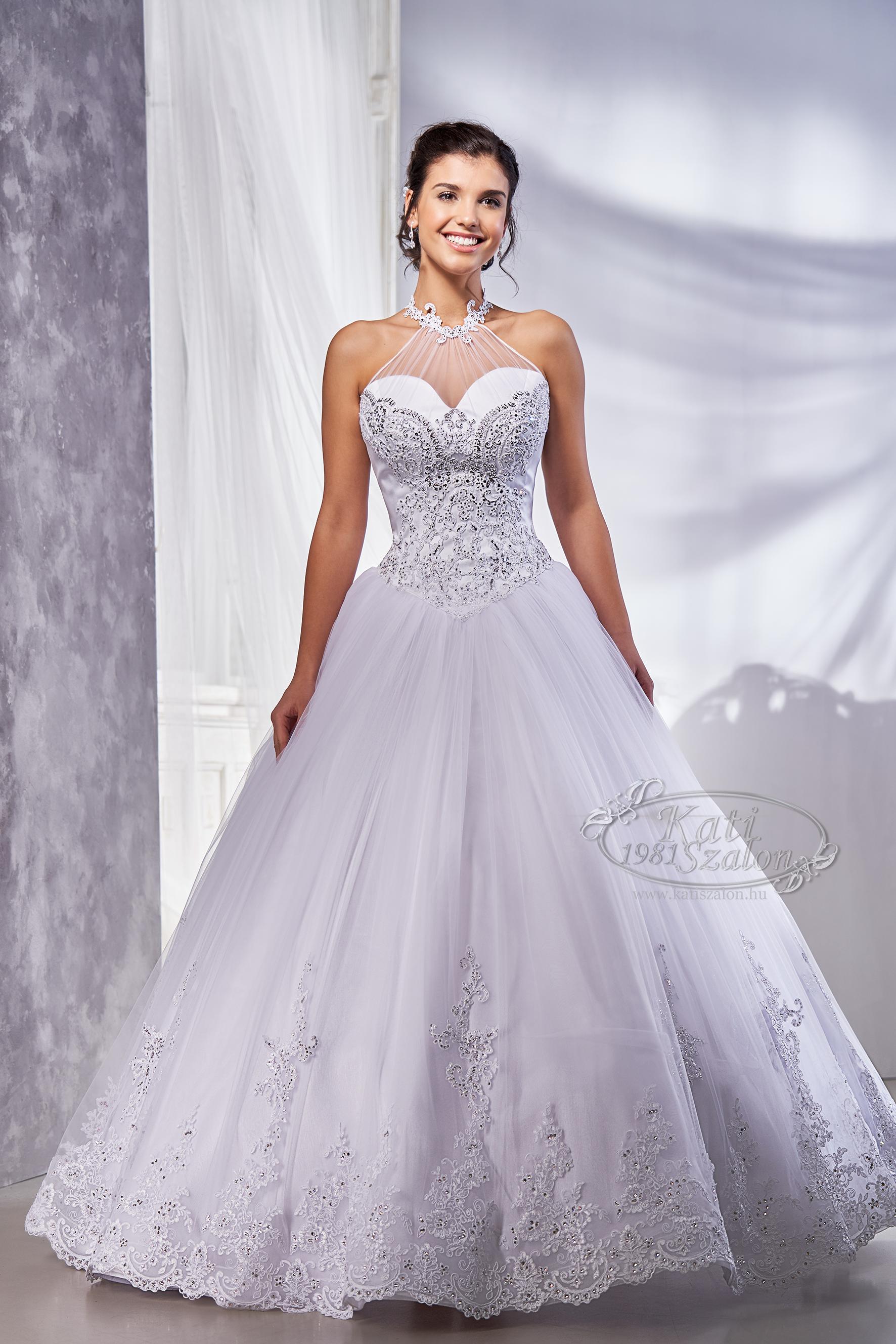 Esküvői ruha nagyszoknyás fazon