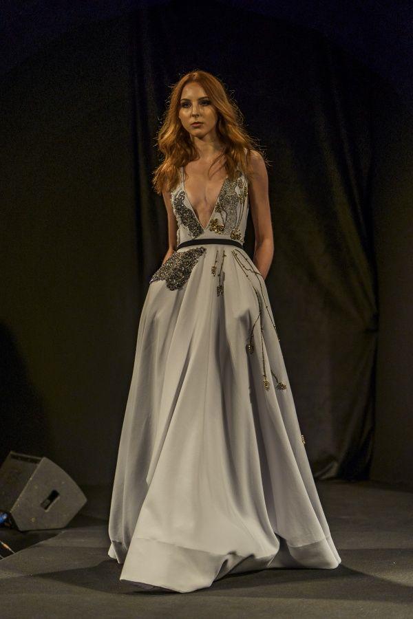 Desfiles V Mostra Noivas - Muito estilo e elegância   Mariée  Inspiração  para Noivas e bb129dbc52