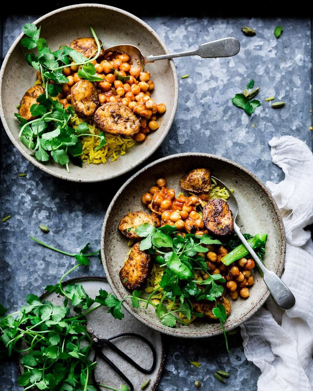 Vegan Bbq Shreds And Greens Click To See How I Style My Vegan Recipes A Foo Styling Instagram Accou With Images Healthy Food Photography Wholesome Food Quick Vegan Meals