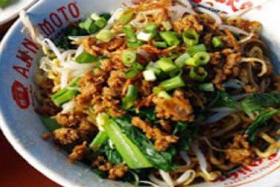 Resep Mie Ayam Spesial Enak Menjadi Andalan Pedagang Kaki Lima Dan Menjadi Rahasia Mereka Anda Membutuhkan Resep Resep Masakan Resep Masakan Indonesia Masakan