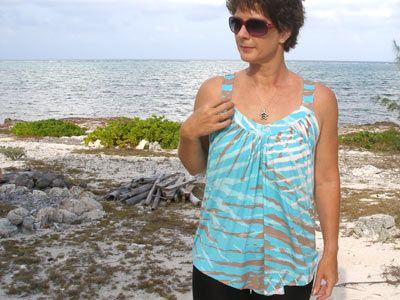 Free sewing pattern - Summer Drape Top | Sewing patterns, Patterns ...