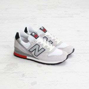 new-balance-996-white-reflective-silver-available-2-570x570