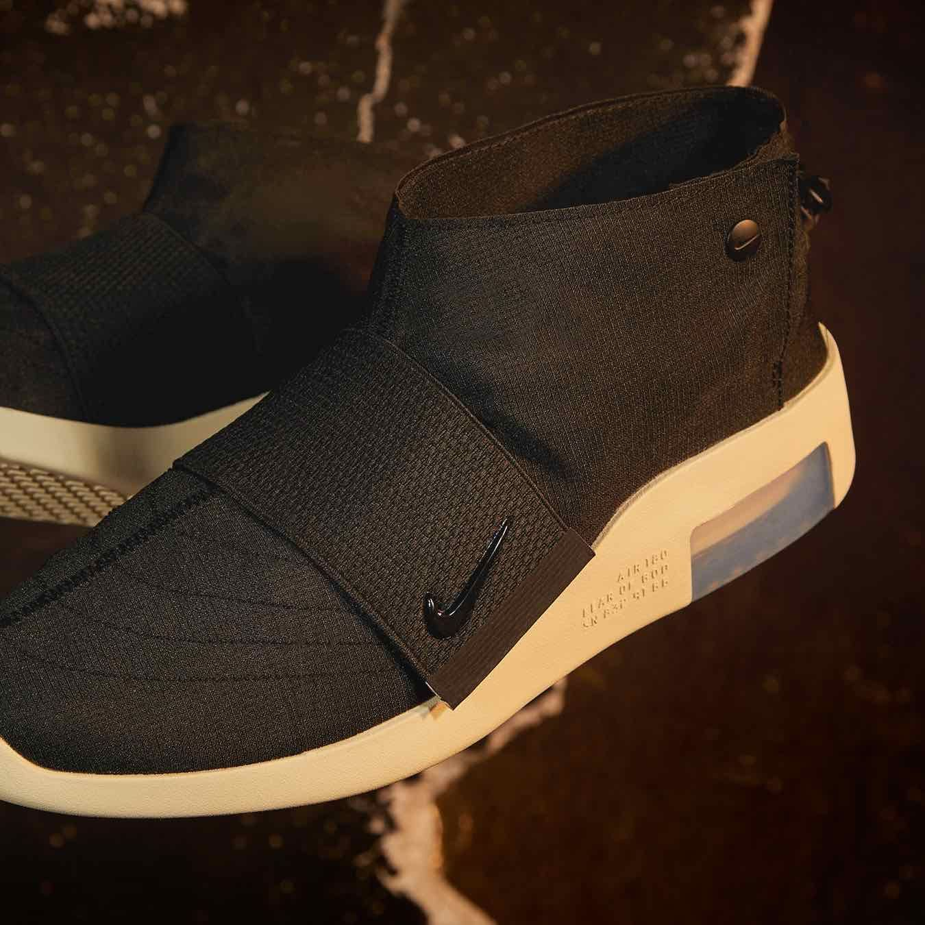 buque de vapor Género contraste  Release Date : May 17, 2019 Nike Air Fear of God Moc Black / Fossil  https://isds.co/sc/AT8086-002 Credit : END. Clothing — #nike #fearofgod  #sneakerhead …