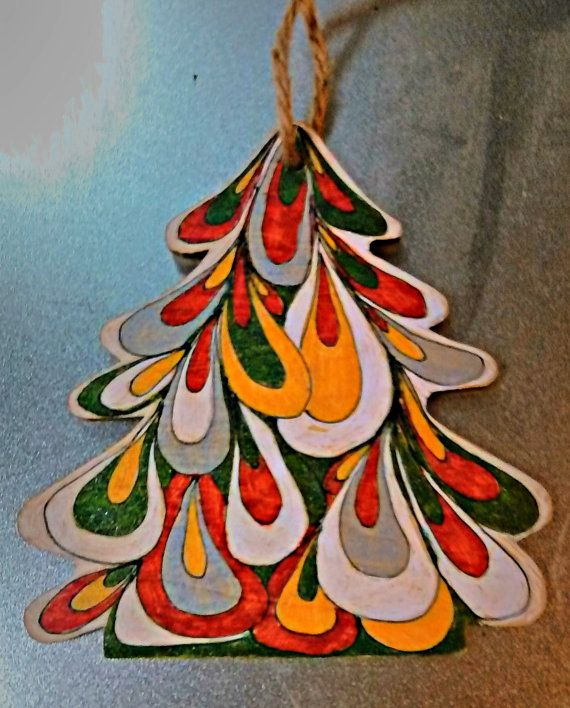 Hand painted wooden Christmas tree decorations by VillalobosCrafts
