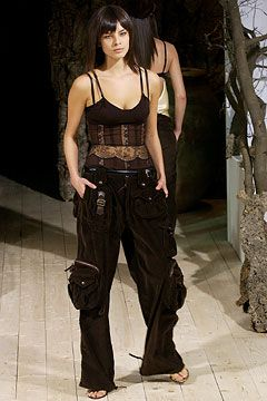 Dolce & Gabbana Fall 2002 Ready-to-Wear - Collection - Gallery - Style.com