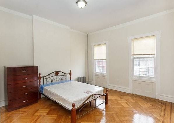 Exceptional 5 Bedroom Apartment For A Roommate In Brooklyn