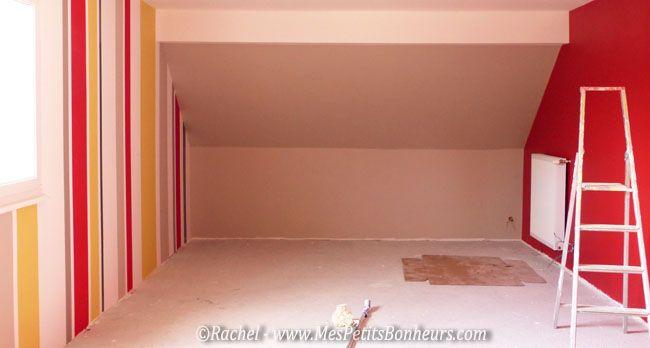 salle colorée peinture rouge lin et bayadere design mural Pinterest - peindre plafond salle de bain